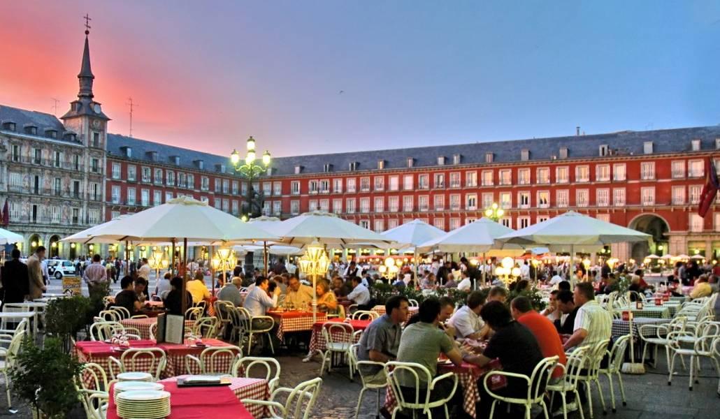 Las Terrazas De Madrid Abrirán Y Cerrarán Hasta Una Hora Más